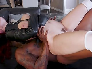 Sensual women try the black monster in a perfect fetish play