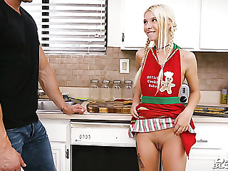 Lying on the kitchen counter girlfriend Kenzie Reeves gives a good blowjob
